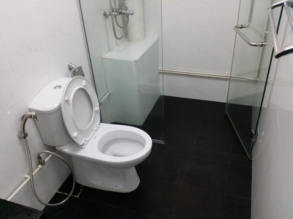 Common bathroom hdb tampines ave 5 prima seal for 34 boon leat terrace